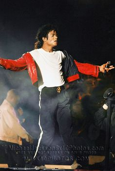 Michael Jackson performs on stage on his BAD tour at Wembley Stadium on July 1988 in London, United Kingdom. Invincible Michael Jackson, Michael Jackson Bad Era, Jackson 5, Mj Bad, King Of Music, The Jacksons, We Are The World, Coming Home, My King