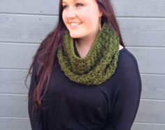 THE NOR'EASTER •• chunky cowl / green