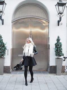 Teljänneito: Balmuir Kid Mohair scarf outfit with leather jacket, Longchamp Gatsby and Christian Louboutin Pigalle