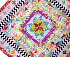 Marcelle Medallion Quilt  BEAUTIFUL!!!  Some day I will make a Medallion Quilt.  They are so very pretty!!!!