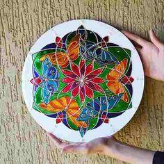 Vitral Mandala Borboletas Em Espelho 30cm Pintada À Mão. butterflies Mandala on Mirror, stained glass. #bela_mandala