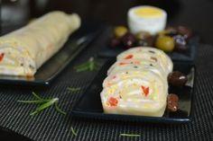 Foietaj cu cascaval si sunca | MiremircMiremirc Sushi, Bacon, Cookies, Chicken, Meat, Ethnic Recipes, Food, Crack Crackers, Biscuits