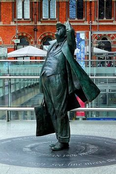 A statue of Sir John Betjeman, renowned poet, at St Pancras station
