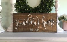 Grandmas house Grandparent house sign pregnancy announcement sign established wood sign rustic name sign custom sign First Time Grandma, New Grandma, Grandma Gifts, Great Mothers Day Gifts, Gifts For Mom, Diy Gifts, Grandparent Pregnancy Announcement, Pregnancy Announcements, Thing 1