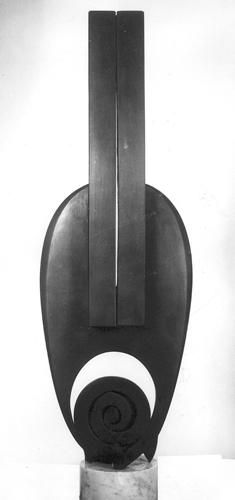 Martín Chirino  AFROCÁN (11)  1978      Hierro forjado pavonado      110 x 39 x 14 cm