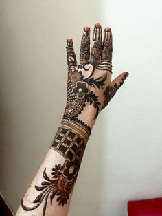 simple Arabic mehndi designs for hands 2019 _ latest Mehndi Designs Khafif Mehndi Design, Floral Henna Designs, Simple Arabic Mehndi Designs, Latest Bridal Mehndi Designs, Mehndi Designs Book, Mehndi Designs For Beginners, Modern Mehndi Designs, Mehndi Design Pictures, Mehndi Designs For Girls