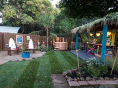 Want to turn your backyard into a desirable spot for relaxing and entertaining? Chris Lambton, host of Yard Crashers talks about best ways to make the backyard your family& new favorite spot. Backyard Bar, Ponds Backyard, Backyard Games, Backyard Ideas, Backyard Projects, Porch Ideas, Outdoor Wood Bar, Diy Outdoor Kitchen, Outdoor Decor