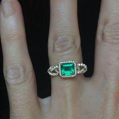 Luscious emerald as the center of this diamond pavé Knotty.  #shibariring #alternativebridal #alternativeengagement #alternativebride #emeraldring #emeraldengagementring