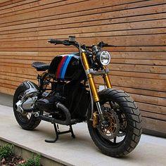 #bmw #r100 #RnineT #r75 #r80 #r75 #r90 #Custom #roadster #boxer #bobber #caferacer #scrambler #tracker #motorcycle #motorrad #motobike #bikes #bmwmotorrad #bmwcaferacer #vintage #fashion #lifestyle #leather #instacool #instagood