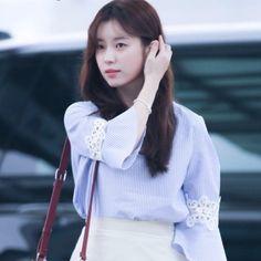 Image result for han hyo joo Bell Sleeves, Bell Sleeve Top, Han Hyo Joo, Korean Beauty, Ruffle Blouse, Actors, Image, Portraits, Women