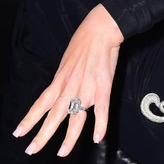 You have GOT to see Mariah Carey's major engagement ring