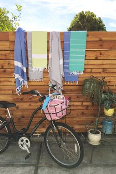 This style of peshtemal is stone washed which gives the pestemal a vintage look.They are super soft and dry fast. It is hand loomed from cotton. It weighs about 13 oz. The dimensions are about 39 Gym Towel, Beach Towel, Beach Wedding Favors, Wedding Gifts, Wedding Bag, Turkish Towels, Cotton Towels, Corporate Gifts, Spring Summer