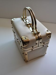 I want to use this as a decoration in my house soooo bad. Vintage Purses, Vintage Handbags, White Purses, Baggage, 1950s, Two By Two, Etsy Shop, Antique, Luxury