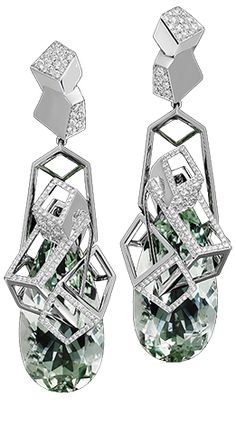 Cubist Earrings by Lorenz-Baumer Art lover, Lorenz Bäumer reflects through these earrings, his admiration for the current avant-garde that was Cubism. Beryl Green 49.42 cts white diamonds 1.20 ct white gold 21 28 g