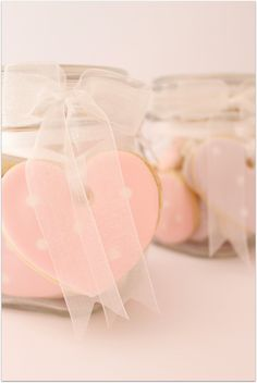 Simple and pretty cookie packaging.