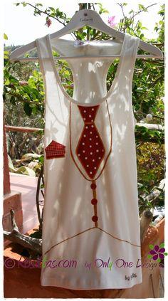 Camiseta corbata de lunares. Pintada a mano. Kosittas.com