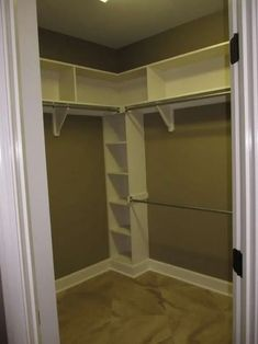 New Corner Closet Layout Shelves Ideas Corner Closet Shelves, Corner Closet Organizer, Corner Storage, Small Master Closet, Small Closets, Small Walk In Closet Ideas, Simple Closet, Bedroom Closet Design, Master Bedroom Closet