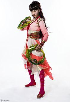 Wuxia Edge, Liu Shi Shi and Tang Yan's outfits in the Fantasy...