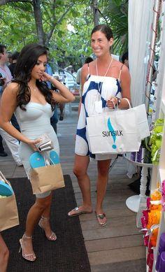 Kim Kardashian Photos Photos - Kim Kardashian visits the SunSilk showcase room at the Raleigh Hotel during 'Mercedes Benz Fashion Week: Miami Swim' on July 13, 2007 in Miami Beach. - Sunsilk At Miami Fashion Week 2007