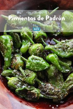 Only about one in ten of the flavorful Spanish peppers is blisteringly spicy. Tapas Recipes, Veg Recipes, Appetizer Recipes, Vegetarian Recipes, Tapas Ideas, Vegetarian Tapas, Crab Recipes, Spanish Cuisine, Spanish Dishes