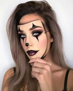 Want to be a clown this Halloween? Haven't decided on makeup? We have found 43 of the best clown makeup ideas. Amazing Halloween Makeup, Halloween Eyes, Halloween 2019, Halloween Face Makeup, Halloween Costumes, Family Halloween, Zombie Makeup, Clown Makeup, Costume Makeup