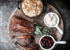 Ένα νέο all day restaurant-bar ανοίγει αυτή την εβδομάδα στο Κολωνάκι. Όλα δείχνουν ότι πρόκειται για μια δυνατή πρόταση τόσο γευστικά όσο και αισθητικά.