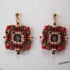 Boucles d'oreille en macramé avec perles bronzes et perles bohème rouges
