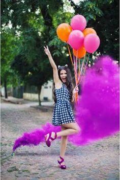 Resultado de imagem para fotos com fumaça colorida