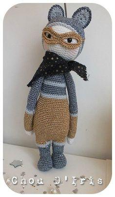 ROCO the raccoon made by choudiris / crochet pattern by lalylala