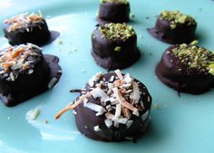Chocolate/Carob Frozen Bananas with Pistachios/Coconut (paleo, AIP, vegan)