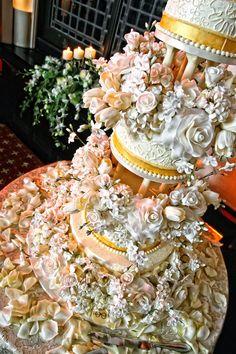 Sylvia Weinstock wedding cake. Photography by Brian K Crain | Lifestyle Wedding Photography - www.bkcphoto.com
