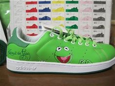 kermie Frog Pictures, The Muppet Show, Kermit The Frog, Disney Shoes, Frog And Toad, Jim Henson, Lizards, Spanx, Frogs
