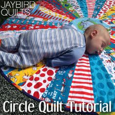cute circle quilt...this is a great pattern for a Christmas Tree skirt...