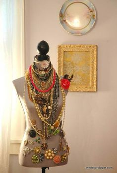 dress-form-necklace-display-cute-idea