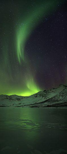 Northern Lights/Aurora Borealis - Norway - by Image Nature, All Nature, Amazing Nature, Science Nature, Life Science, Beautiful Sky, Beautiful World, Beautiful Places, Natural Phenomena