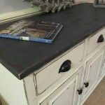 Lovely combo..... Annie Sloan Old White and then touched the top with Graphite before distressing.