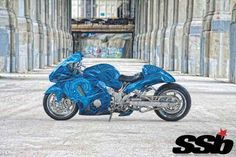 Sometimes DIY projects go terribly wrong, but in this case a proper shop dialed in the disaster with impeccable results. Suzuki Motorcycle, Motorcycle Gear, Paint Bike, Custom Sport Bikes, Suzuki Hayabusa, Video New, Street Bikes, Cool Bikes, Custom Paint