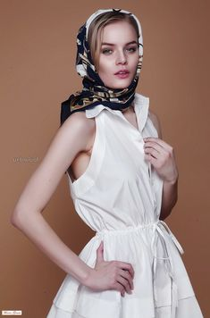 Grace Kelly Style, Hair Scarf Styles, Thai Dress, How To Wear Scarves, Scarf Hairstyles, Cashmere Scarf, Silk Scarves, Satin Dresses, Women Wear