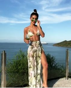Summer Outfits For Women Pool Outfits, Short Outfits, Cute Outfits, Beach Outfits, Beachwear Fashion, Beachwear For Women, Beach Fashion, Bikini Fashion, Surfergirl Style
