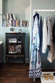 adelaparvu.com despre locuinta la mansarda cu pereti gri inchis, loft 120 mp Suedia, Foto Alvhem makleri (28)