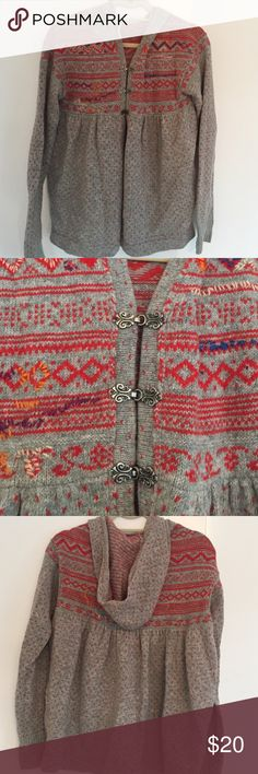 Free People Hooded Wool Sweater comfy sweater from Free People - very good condition 80% wool; 20% nylon Free People Sweaters Cardigans