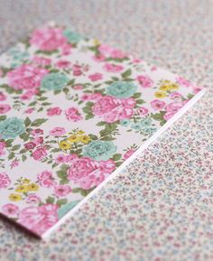 Cute notebook. Shabby Chic pattern.
