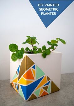 Make a DIY geometric painted planter #craftmonthlove for @J O-Ann Fabric and Craft Stores #planter #plantlady #plantcrafts #houseplants