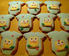 Owl Cookies for Baby Shower Onesie Cookies, Baby Cookies, Baby Shower Cookies, Cute Cookies, Cupcake Cookies, Baby Shower Parties, Baby Shower Gifts, Baby Showers, Owl Cakes