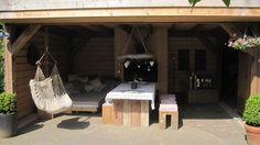 Robuuste veranda met open haard
