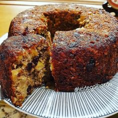 La imagen puede contener: postre, comida e interior Keto Recipes, Cake Recipes, Dessert Recipes, Healthy Recipes, Desserts, Bananas, Pan Dulce, Sin Gluten, Coffee Cake