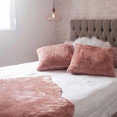 quarto ainda sem cortina mas com as minhas almofadas e pelinho da @elephantloja ♡ Rose Gold Room Decor, Rose Gold Rooms, Pink Bedrooms, Tumblr Rooms, Room Decor Bedroom, Just In Case, Elephant, Throw Pillows, Interior