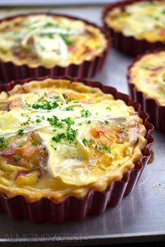 Caramelized Leek, Brie and Ham Quiche Recipe - Sweet caramelized leek, salty free-range ham & creamy brie. These used to fly out the door when we made them at our café! Tart Recipes, Brunch Recipes, Breakfast Recipes, Cooking Recipes, Breakfast Tart Recipe, Mini Quiche Recipes, Leek Recipes, Breakfast Pizza, Quiches