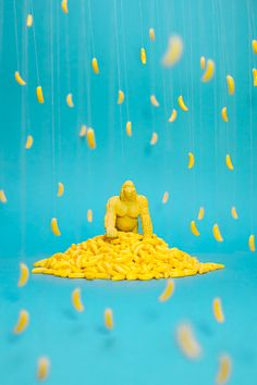 "DollarStore by Benoit Paillé & Daniel Delisle ""In the final. Pattern Illustration, Graphic Illustration, Food Art Painting, Banana Art, Monkey Art, Mellow Yellow, Still Life Photography, Motion Design, Textures Patterns"