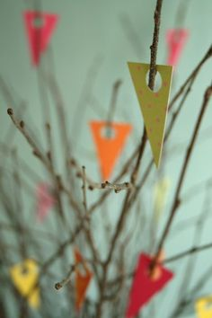 Adaptation in mini bunting garland Mini Bunting, Paper Bunting, Bunting Garland, Easter Tree Decorations, Easy Decorations, Happy Easter, Easter Bunny, Christian Holidays, Decoupage
